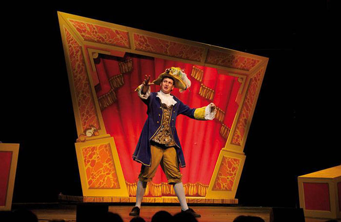 Potted Panto review at Vaudeville London | Review ...
